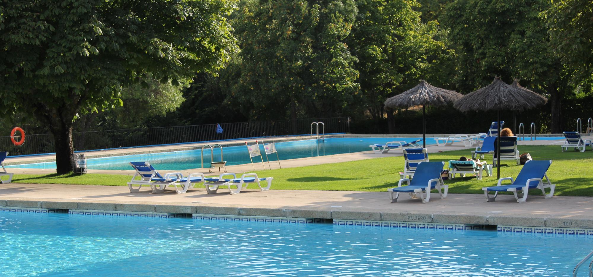 Espacio Herrería piscinas terraza bar naturaleza